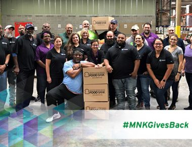 MNK_GlobalMonthOfService_October2019_Blog_600x325_FoodBank